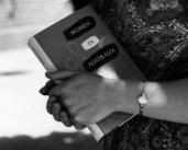 L42761 Women in Aust book