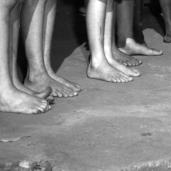 L44935 kids feet