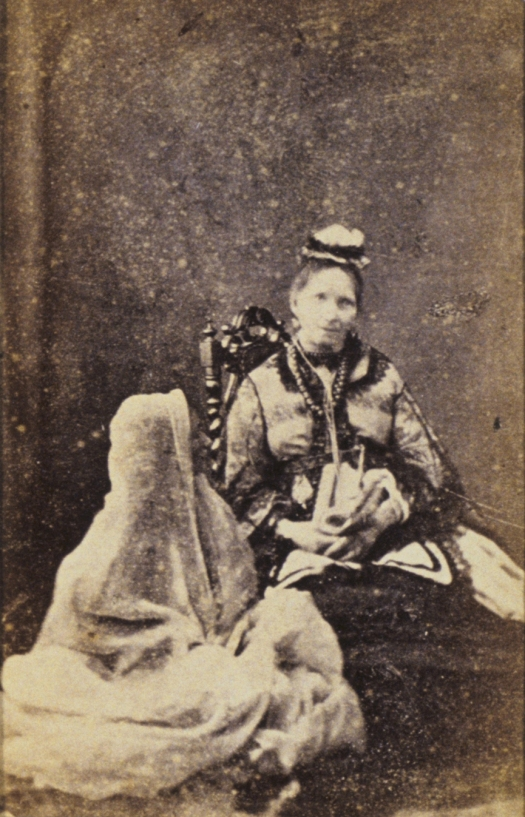 Frederick Hudson, Professor Gregory's wife and spirit of his sister, c1873, carte-de-visite, National Gallery of Australia, Canberra.